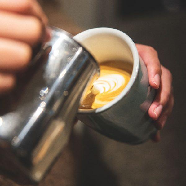 Taza de Café con Tapa Latte Art Nomad Loveramics